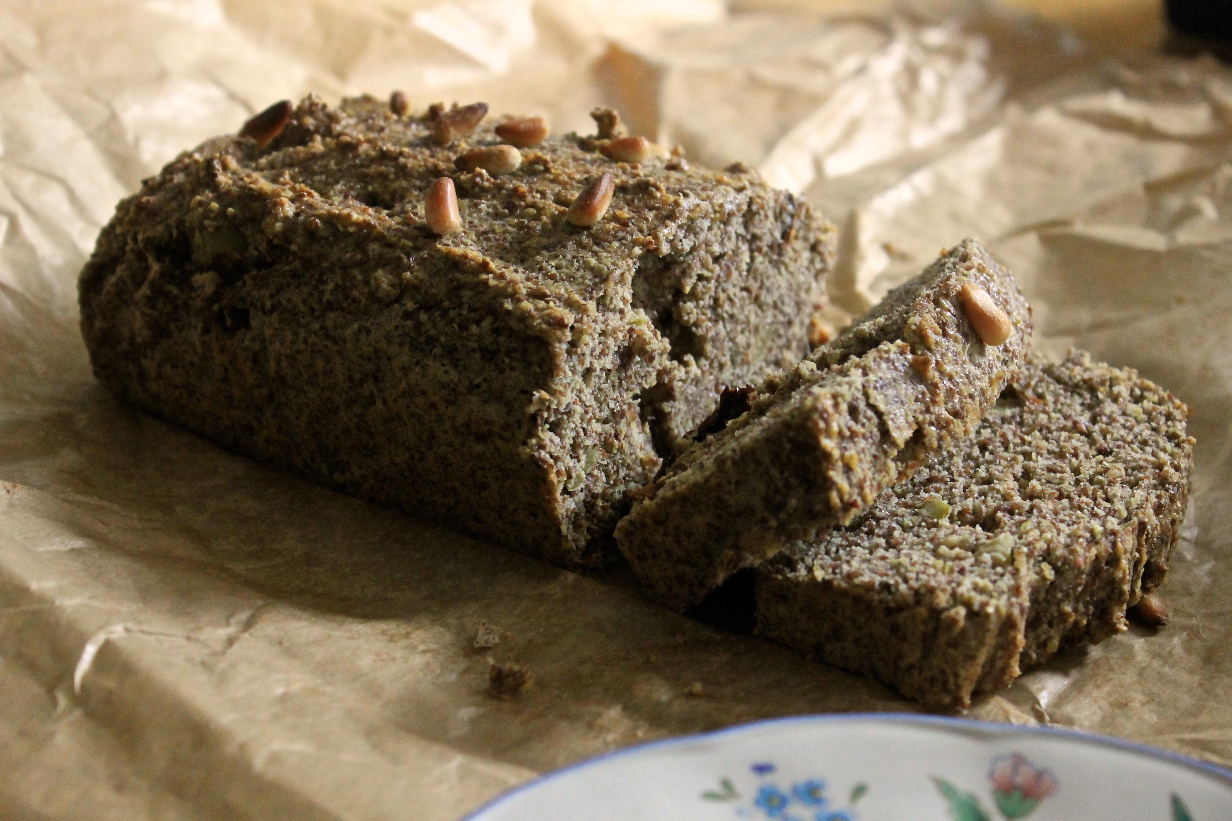Gluten Free Pesto, Sun Dried Toms and Olive Bread