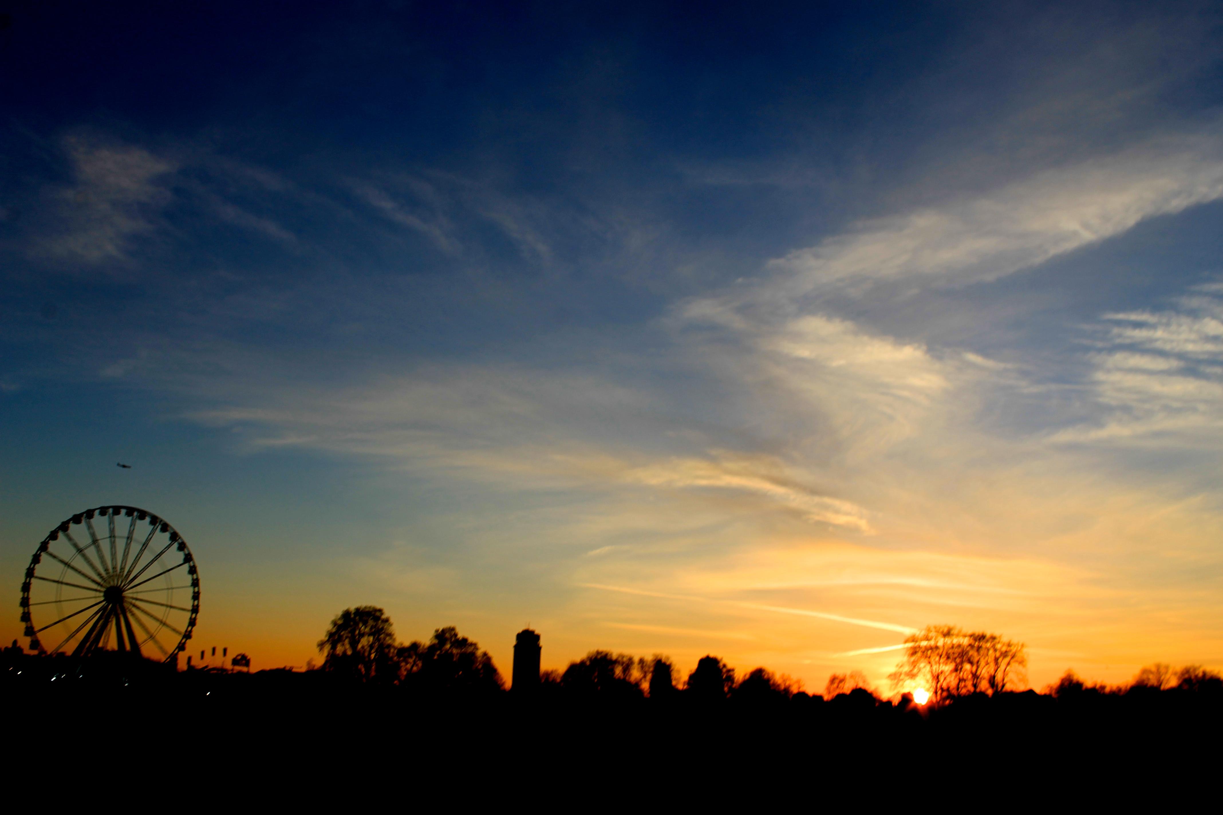 Hyde Park Winterwonderland Sunset